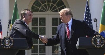 """La Nación / Bolsonaro felicitará """"en su momento"""" a """"quien sea electo"""" en EEUU"""