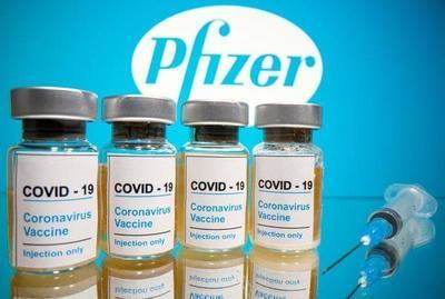"""""""Gran día para la humanidad"""": Pfizer dice vacuna COVID-19 es efectiva en más de un 90%"""