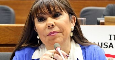 La Nación / Amarilla sueña con ser Kamala Harris