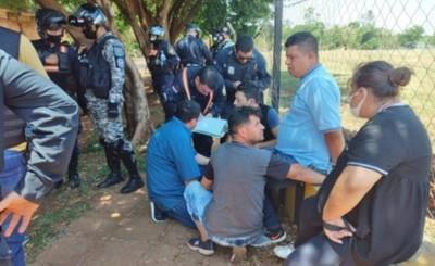 Imputan y piden prisión a cinco presuntos rateros de minimercado