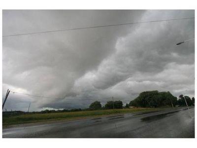 Lluvias y tormentas continúan el día de hoy a nivel país