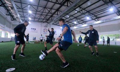 La Albirroja se prepara para el partido contra Argentina