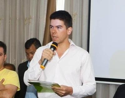 Denuncian a Víctor Guanes y esposa por supuesta estafa y agresión