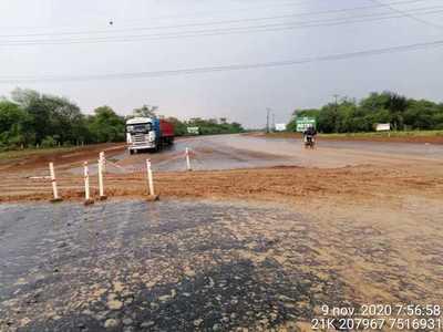 Loma Plata: habitan calzada principal de ruta en días de lluvia