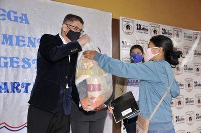 Gobernación entregó kits alimenticios en la escuela Rebeca Alem