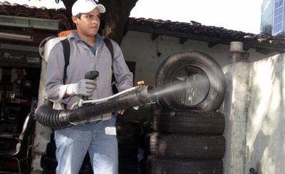 Aumentan notificaciones sobre casos de dengue y piden eliminar criaderos