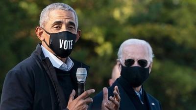 Biden defiende la ley de salud de Obama mientras la Corte Suprema evalúa si la deroga