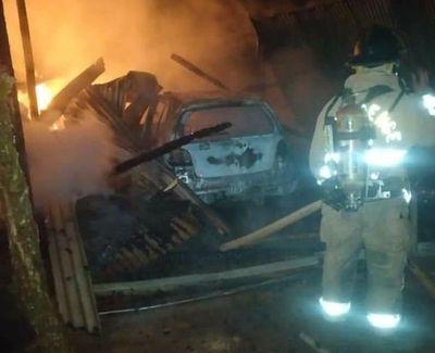 Incendio de depósito deja cuantiosos daños materiales