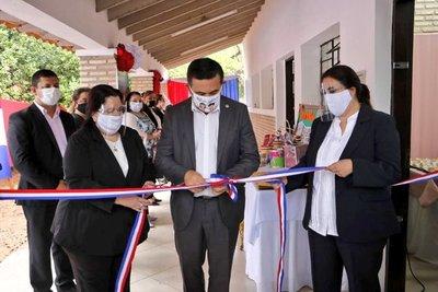 MEC inauguró nuevo espacio y lanzó kits en centro de formación profesional