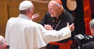 La Nación / Vaticano niega haber encubierto al cardenal McCarrick pese a su fama de pederasta