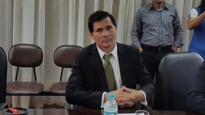 Derecho a réplica de edil Alfredo Lezcano