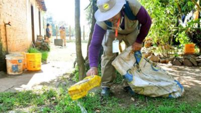 Notificaciones de dengue en aumento e instan eliminar criaderos