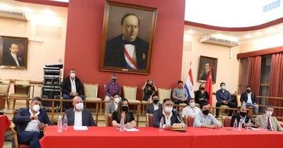 La Nación / Piden a senadores detractores no boicotear la convención colorada