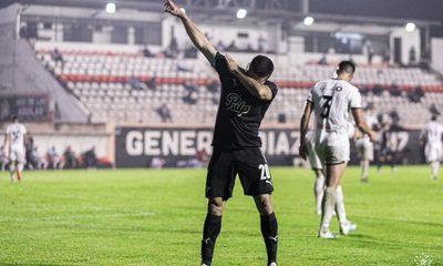 Libertad vence a General Díaz en un partido con muchos goles