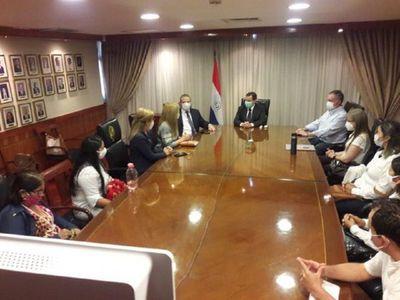 Familiares de secuestrados se reúnen con autoridades exigiendo resultados