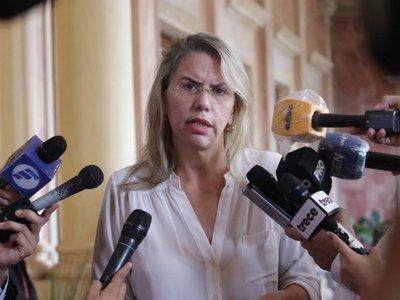 Ex ministra Liz Cramer anuncia que será nueva consejera de Itaipú