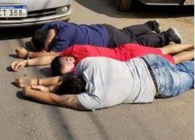 Capturan a supuestos asaltantes en barrio asunceno