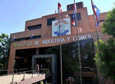 Oficializan cambios: Cramer al Consejo de Itaipú y Castiglioni al MIC