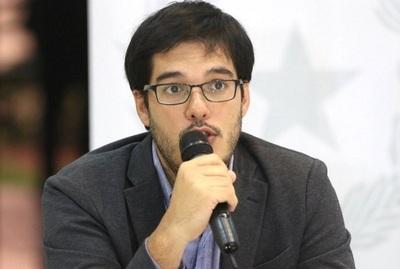 """""""No nos vamos a jugar con la primera vacuna"""", aclara Sequera"""