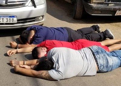 Crónica / (VIDEO) Volái detuvieron a suspuestos miembros de una banda de asaltantes
