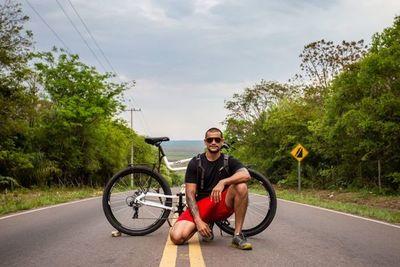 La felicidad de viajar en bicicleta