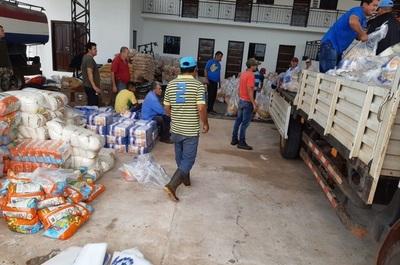 Emergencia distribuye víveres en Arroyito