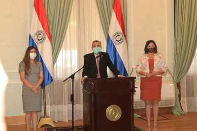 Ejecutivo nombra a nuevas autoridades en Senadis e Indert