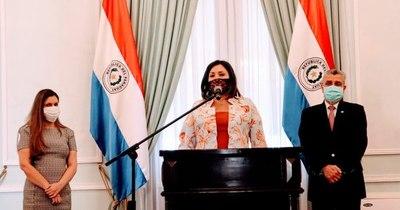 La Nación / Abdo designa nueva titular de la Senadis y ratifica en el puesto a interina del Indert