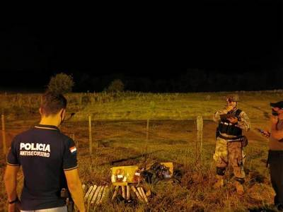Coronel Bogado: incautan 18 kilos de dinamita en un bus