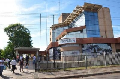 Funcionarios del Registro Civil anuncian huelga general para el 25 de noviembre