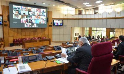 Senado aprueba por unanimidad permiso de Castiglioni y asume el cartista Arnaldo Franco