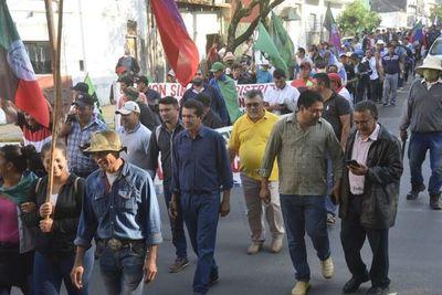 Campesinos anuncian medidas tras no llegar a un acuerdo con autoridades