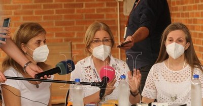 La Nación / Familia Denis analiza recurrir a intermediario por recomendación de colombianos