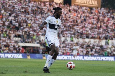 Agente de Adebayor recurre a FIFA para cobrar a Olimpia