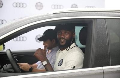 Agente de Adebayor mete a Olimpia en problemas con la FIFA