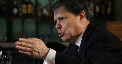 La Nación / Acevedo pide a Abdo respaldo jurídico para intervenir ante los peregrinos inconscientes