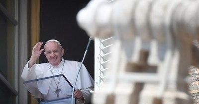 La Nación / El papa Francisco habló por teléfono con Joe Biden para felicitarlo