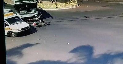 La Nación / Motociclista muere en brutal choque en Ciudad del Este