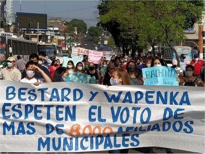 Funcionarios municipales se manifestaron contra resolución del TSJE