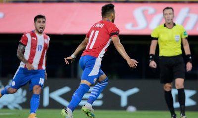 Paraguay rescata un valioso empate en La Bombonera