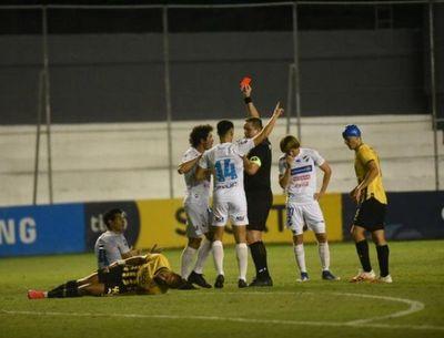 Nacional y Guaraní empataron sin goles en accidentado juego