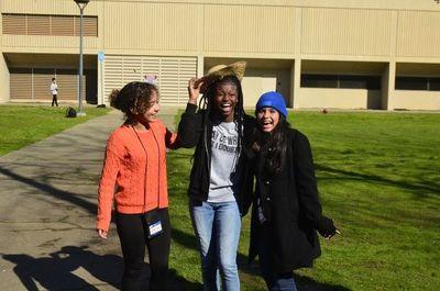 Lanzan convocatoria para el programa Jóvenes Embajadores 2021