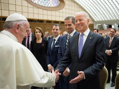 El presidente electo de EE.UU suma apoyos de China y el Papa