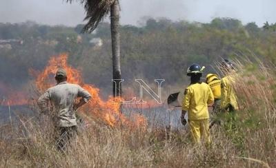 HOY / Ministerio del Ambiente realiza tareas de concienciación para prevenir incendios