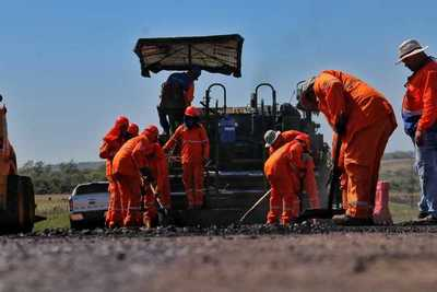 Labores en Ruta PY01 entre Paraguarí y Misiones emplea a centenar de personas