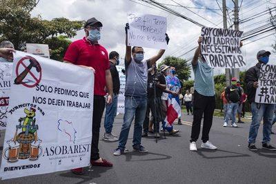 Costa Rica flexibiliza las restricciones tras pedido de alcaldes y empresarios