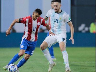 """Periodista argentino compara a jugadores de Paraguay con """"jeans de travestis"""""""
