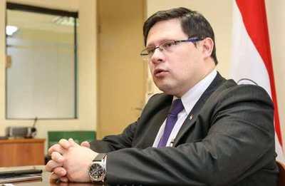 Viceministro dice no a exoneración de IVA a gastronómicos,  propuesta por Castiglioni