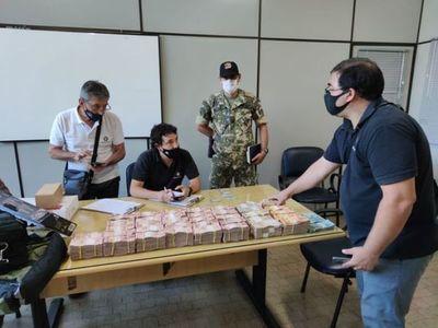 Detienen a brasileño con 340.000 reales en la cabecera del Puente de la Amistad