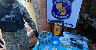 La Nación / Hallan minilaboratorio de cocaína en lavadero de Itá